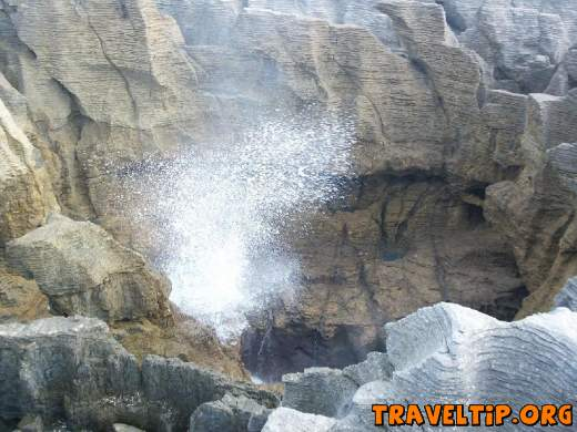 New Zealand - West Coast - Punakaiki Pancake Rocks - Blowhole